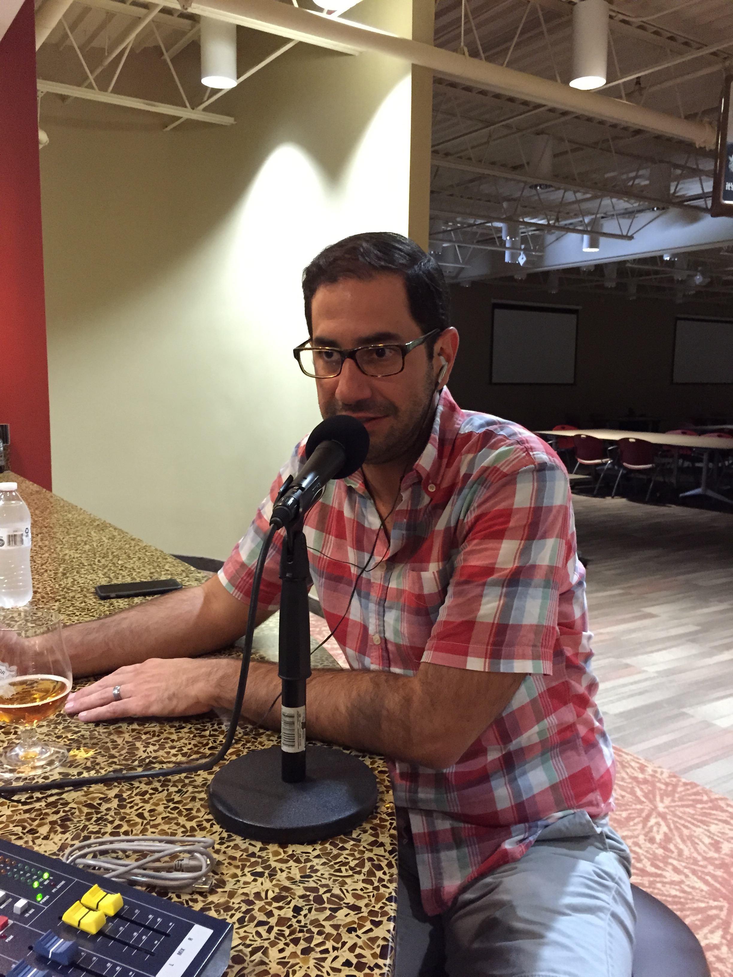 Episode 123 - Joe Ovies 99.9 The Fan and WRAL Sportsfan with Sierra, Olde  Hickory & D9!   Tales From the Cask